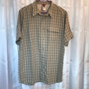 The North Face Men's Large button up shirt, short